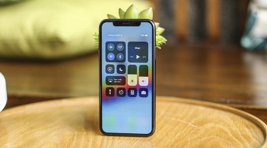 Photo of iPhone 11, suyun altında çalışan ekran ile gelebilir!