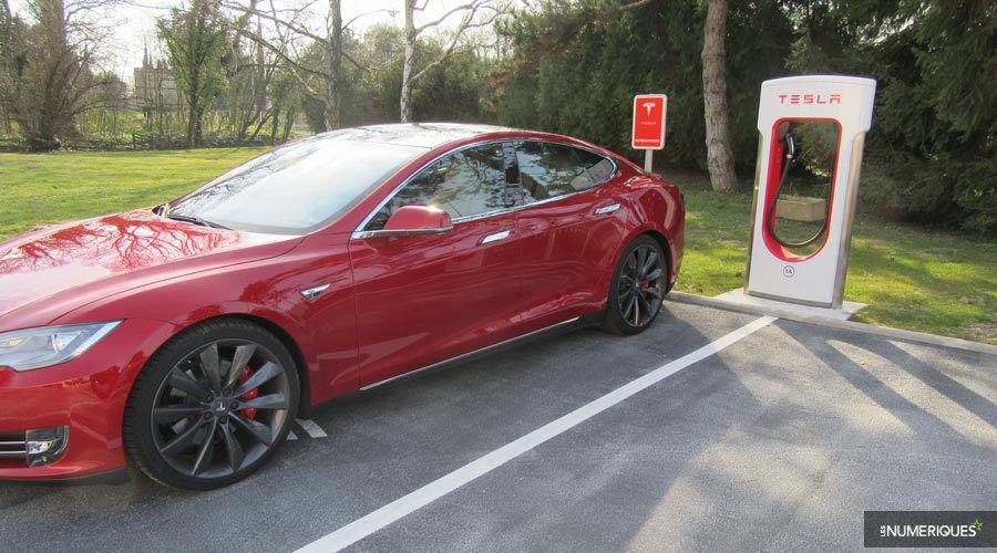 Tesla yeni şarj istasyonu