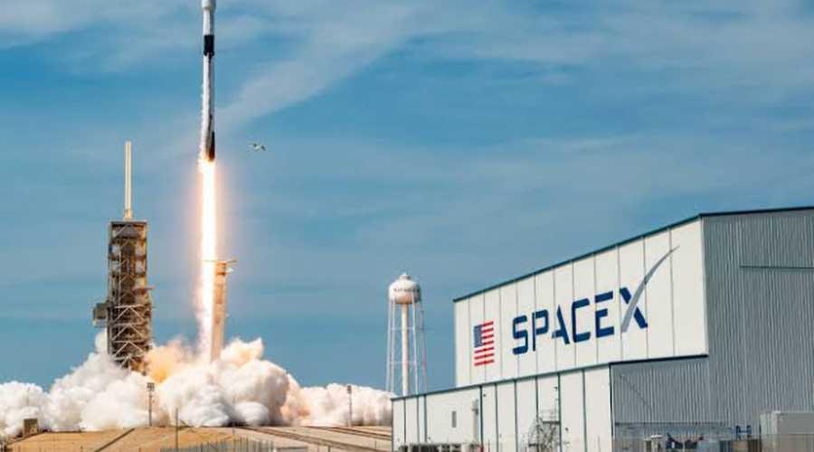 Elon Musk'un SpaceX'i Tesla'dan