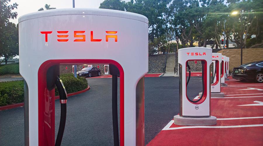Photo of Model S ve X alıcılar için ücretsiz, sınırsız şarj hizmeti