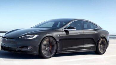 Photo of Tesla Otopilot yeşil ışıkları ve hız sınırlarını algılamaya başladı